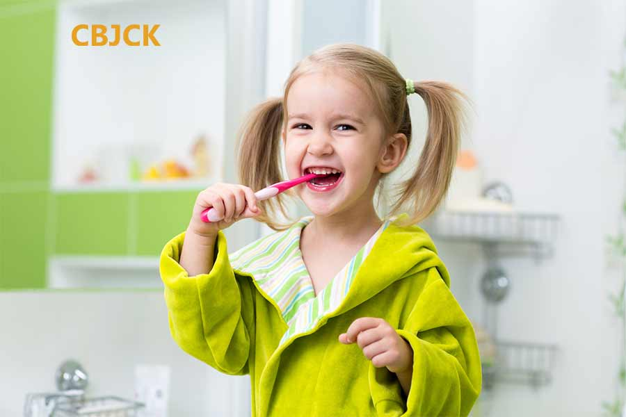 How to Clean Toothbrush